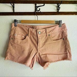 American Eagle // Pink Raw Hem Medium Rise Short